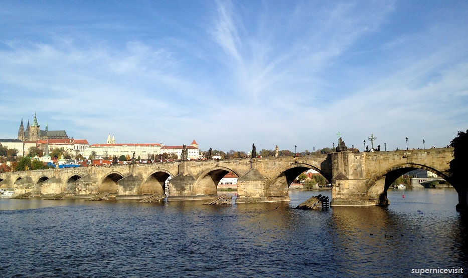 Prag Charles Bridge supernicevisit